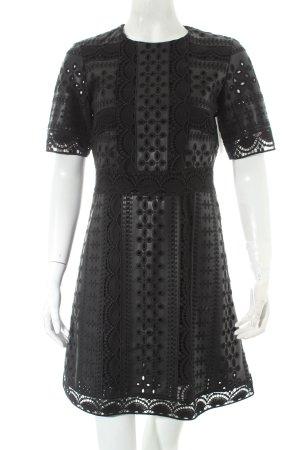 Zara Kurzarmkleid schwarz Stickereiverzierung