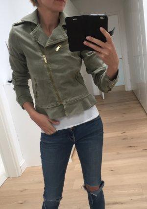 Zara Kurzblazer im military Stil