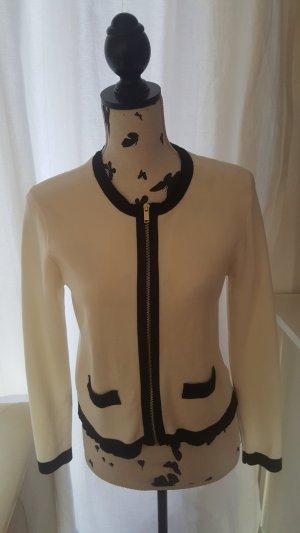 Zara: Kurzjäckchen im Chanel-Stil, M