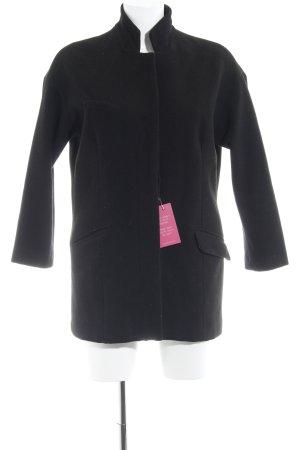Zara Abrigo corto negro estilo sencillo
