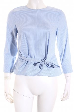 Zara Langarm-Bluse hellblau-weiß Streifenmuster Street-Fashion-Look