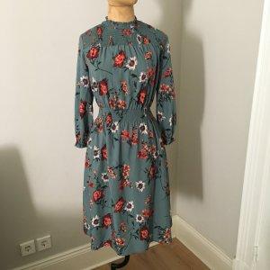 Zara Langarm Kleid mit Blumen Print Gr. 36 top