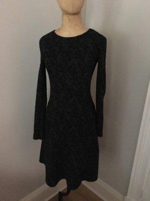 Zara Langarm Kleid mit Reptil Print Gr. 36 top