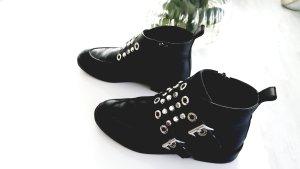 Zara Leder Ankle Boots ! Super schöne Stiefeletten mit Nieten!