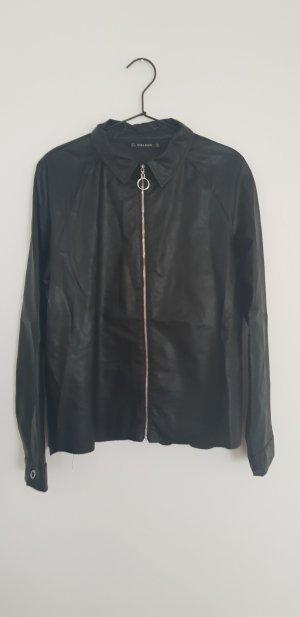ZARA Lederhemd L/42 schwarz Kunstleder Jacke oder Hemd acne cos Lederbluse
