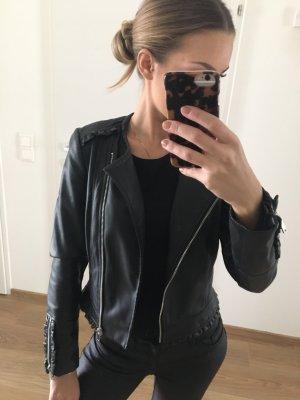 Zara Lederjacke Volant XS schwarz