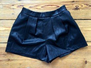 // Zara // Ledershorts // Black // Size S //