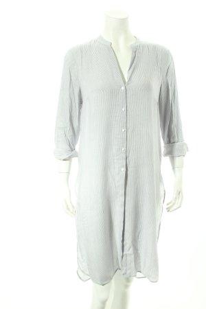 Zara Long-Bluse weiß-graublau Streifenmuster Street-Fashion-Look