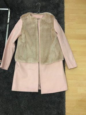 Zara Abrigo de piel sintética rosa claro
