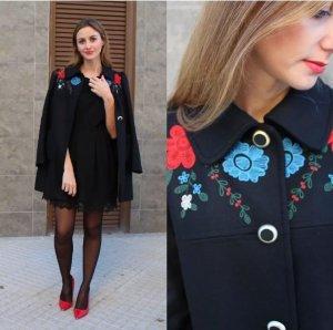 ZARA Mantel Blau Schwarz Wolle Bestickt 36-38 M Embroidered Coat Black wie Neu