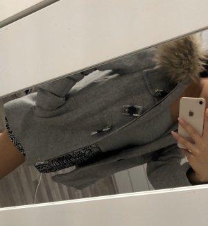 Zara Cappotto in eco pelliccia grigio