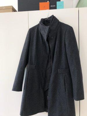 Zara Abrigo gris oscuro