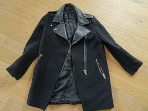 Zara Mantel in Schwarz mit Leder