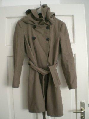 Zara Abrigo con capucha marrón grisáceo