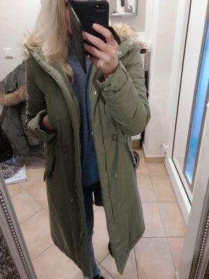 Zara Abrigo de invierno caqui