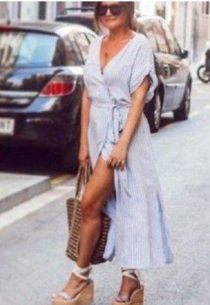 Zara Robe mi-longue blanc-bleu azur