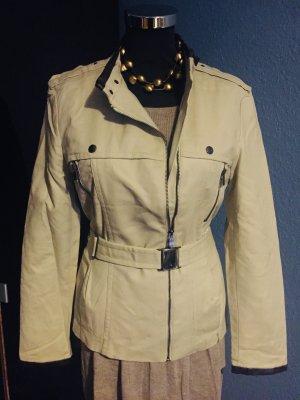 Zara Chaqueta militar beige