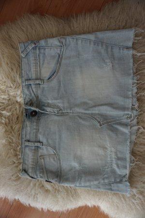 Zara Mini Jeansrock mit Verwaschungen