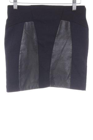 Zara Minirock dunkelblau-schwarz Street-Fashion-Look