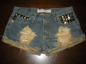 Zara Nieten Hotpants Shorts kurze Hose blau Jeans destroyed 36 38 S M