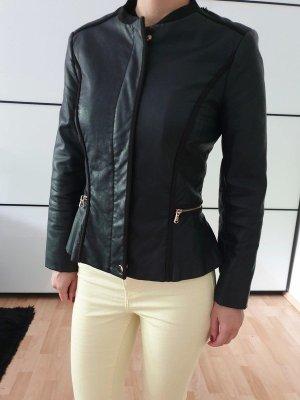 Zara Peplum Lederjacke XS S 32 34 36 schwarz Mantel Jacke Schößchen Cardigan