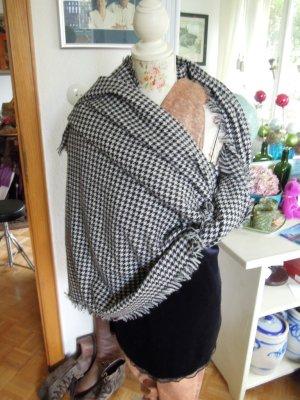 Zara Poncho en tricot noir-blanc
