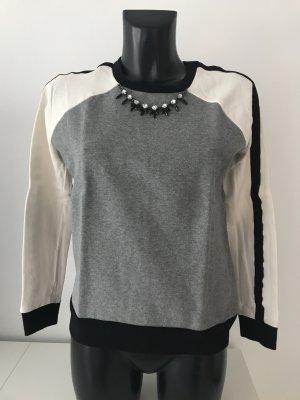 ZARA Pullover mit Schmuckkette/bestickten Kragen