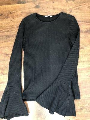 Zara Pullover schwarz gerippt Trompetenärmel
