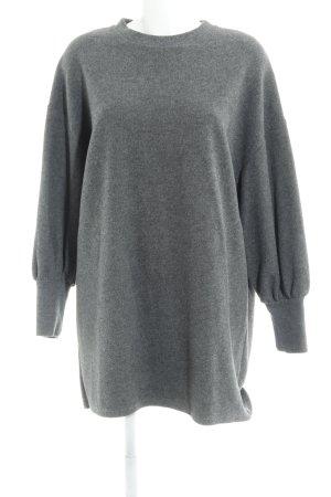 Zara Pulloverkleid dunkelgrau Street-Fashion-Look