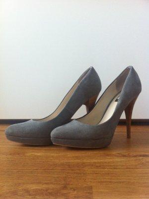 Zara Escarpins gris daim