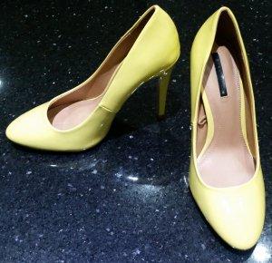 Zara Pumps Highheels gelb Lack 38 ungetragen
