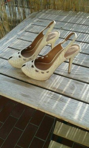 Zara Pumps in creme.