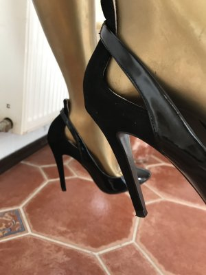 Zara Pumps in schwarzem Lackleder