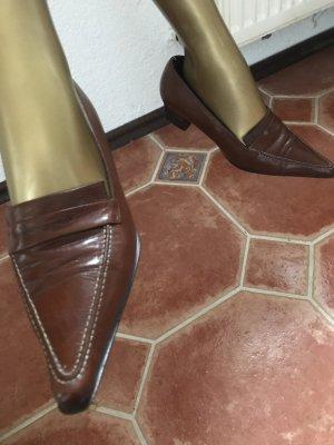 Zara Pumps mit kleinem Absatz, Leder