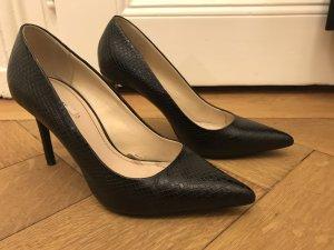 Zara Basic Pointed Toe Pumps black