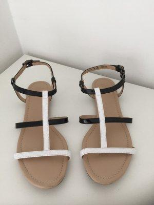 Zara Riemchen Sandale black 'n white