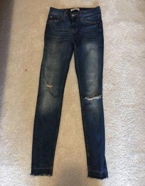 Zara ripped Jeans - Premium Denim Collection