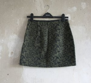 Zara Rock mit Camouflage-Muster