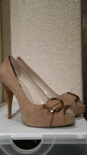 Zara High-Heeled Toe-Post Sandals beige suede