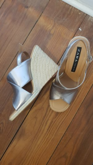 ZARA Sandaletten mit Keilabsatz Schuhe Gr.39 NEU
