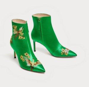 Zara Satin Heels Ankle Boots Stiefeletten grün bestickt Stickerei 38 Blogger Sockboots