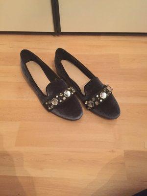 Zara Schuhe aus samt anthrazit mit Steinen bei Größe 37 ausverkauft