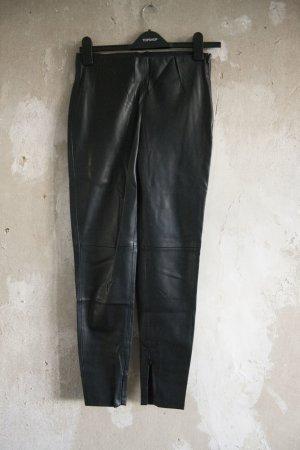 Zara schwarze Kunstlederhose mit Zippern
