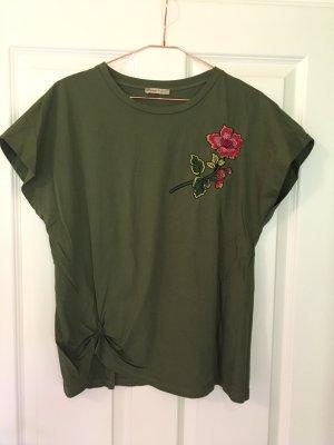 Zara Shirt mit Blütenapplikation und Knotendetail
