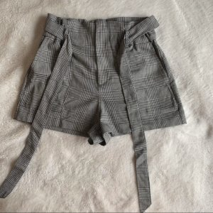 Zara Shorts black-white