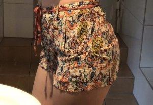 Zara Shorts, Gr. S, neu