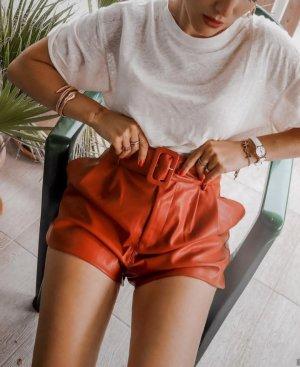 Zara Shorts Hotpants Rot Lederoptik mit Gürtel