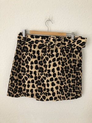 Zara Shorts im Leopardenmuster mit Gürtel