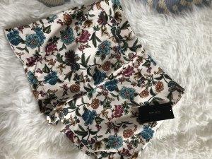 Zara Shorts L 40 neu mit Etikett Blumen Floral Flowers geblümt Sommer