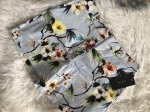 Zara Shorts L 40 neu mit Etikett Blumen Floral Flowers geblümt Sommer blau